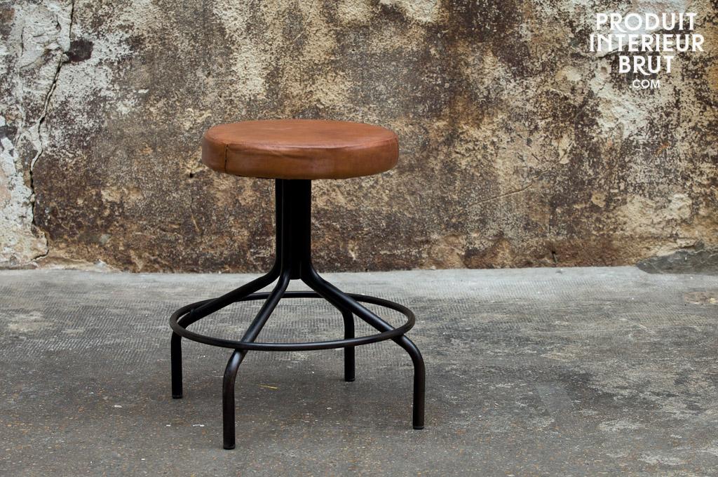 Schusterhocker im Angebot - Möbelstück im Industriedesign von PIB Home.